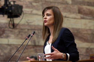Αχτσιόγλου: Η κορυφαία δέσμευση που ανέλαβε η κυβέρνηση ότι θα βγάλει τη χώρα από τα μνημόνια υλοποιείται