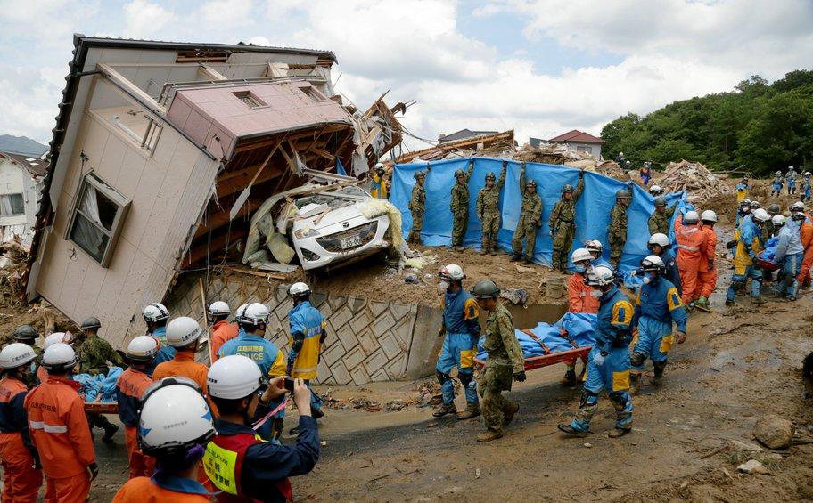 Ιαπωνία: Στους 141 οι νεκροί από τις πλημμύρες - Εικόνες απόλυτης καταστροφής