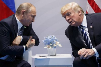 Πούτιν: Ο Ντόναλντ Τραμπ με ακούει και επιθυμεί την αποκατάσταση των αμερικανο-ρωσικών σχέσεων