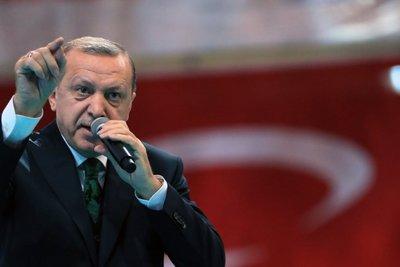 Οργισμένος ο Ερντογάν με τους Οίκους Αξιολόγησης: «Παίζουν παιχνίδια» με την οικονομία μας
