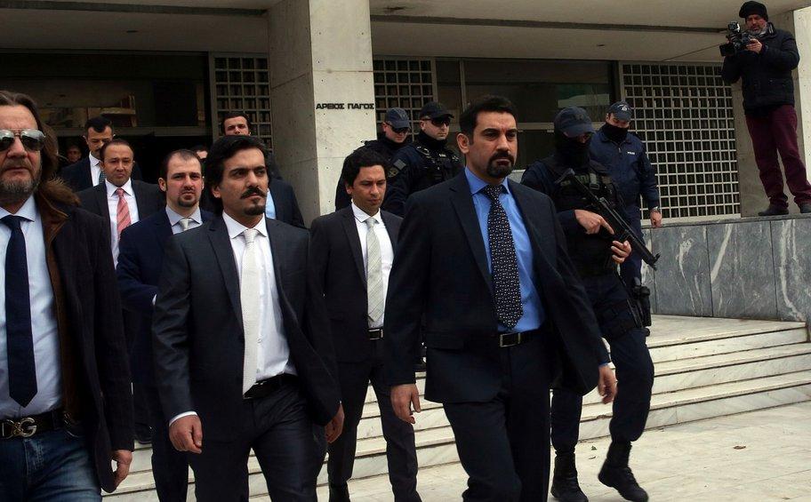 Στα τουρκικά ΜΜΕ το δημοσίευμα της Realnews για τους «8»