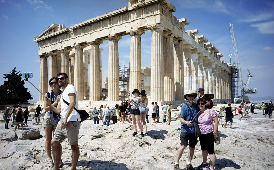 Ξεπέρασαν τα 30 εκατομμύρια οι τουρίστες το 2018 - Νέο ιστορικό ρεκόρ στον τουρισμό και αύξηση εισπράξεων κατά 10%