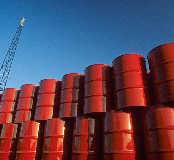Πετρέλαιο: Πάνω από 85 δολάρια το βαρέλι η τιμή του Brent