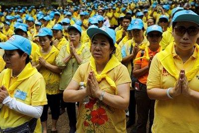 Ταϊλάνδη: Ευχαριστούν τα πνεύματα για τη διάσωση των παιδιών