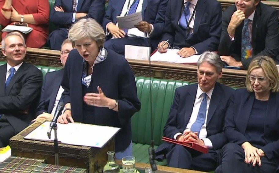 DW: Στα πρόθυρα διάσπασης το κυβερνών κόμμα στη Βρετανία - Νέο δημοψήφισμα;