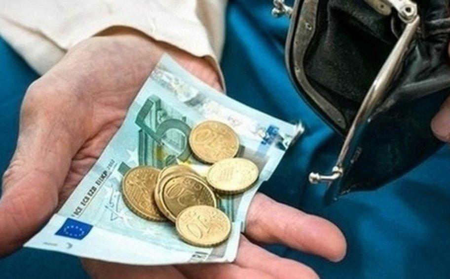 ΙΟΒΕ: Mε το ζόρι τα βγάζουν πέρα 2 στους 3 Έλληνες