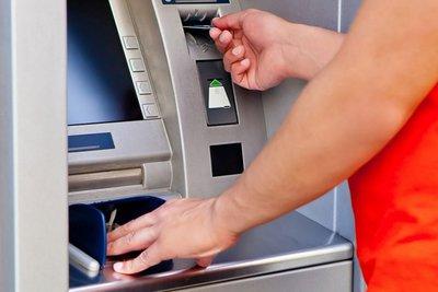 Τράπεζες: Η χαλάρωση των capital controls και οι πονοκέφαλοι