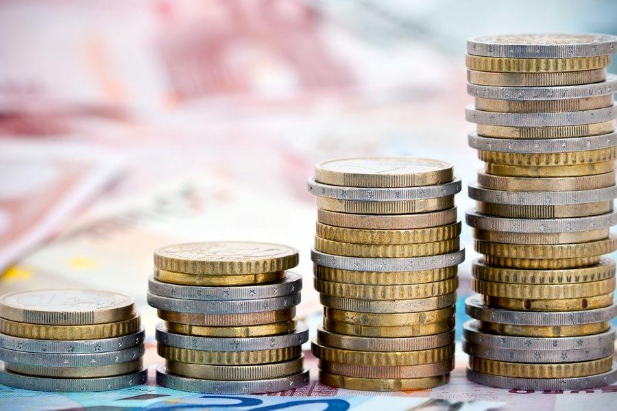 «Βαρύς» φορολογικός χειμώνας για νοικοκυριά - επιχειρήσεις: Τι πρέπει να πληρώσουν μέχρι και τον Ιανουάριο