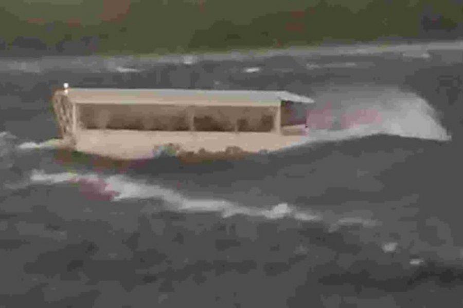 Εικόνες-σοκ από ναυάγιο-τραγωδία με 17 νεκρούς στο Μιζούρι, οι 9 μέλη της ίδιας οικογένειας