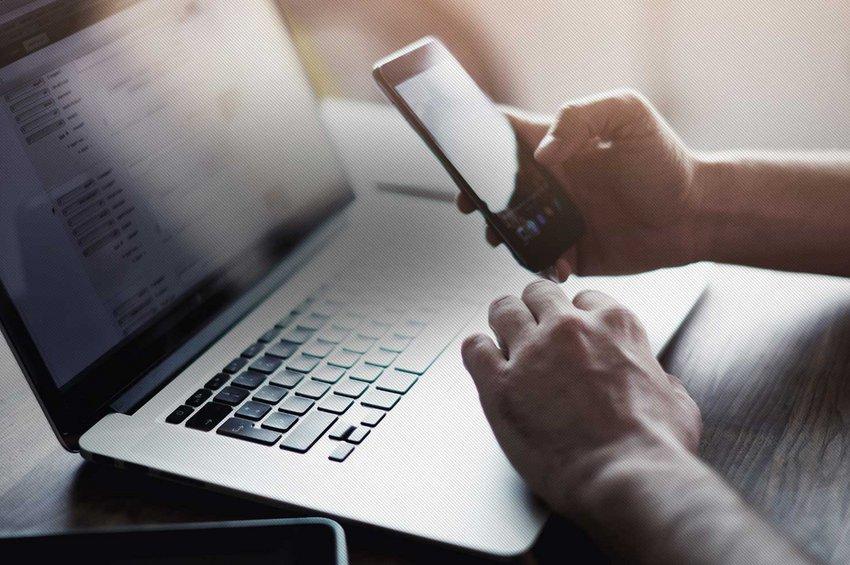 Συναγερμός για τη Sextortion scam: Η νέα ηλεκτρονική απάτη