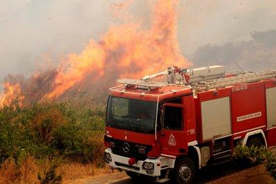 Σε εξέλιξη πέντε φωτιές στην Κορινθία