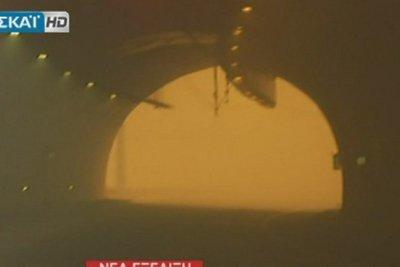 Πυρκαγιά στην Κινέτα: Εικόνες από τις σήραγγες της Εθνικής Οδού