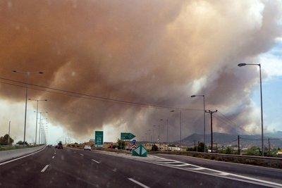 Η ανακοίνωση της Πυροσβεστικής για την μεγάλη φωτιά στην Κινέτα