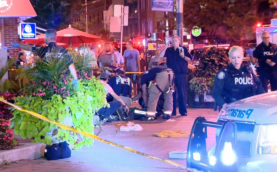 Τρόμος στον Καναδά: Ένοπλος άνοιξε πυρ στην ελληνική συνοικία του Τορόντο - Δύο νεκροί και τουλάχιστον 13 τραυματίες