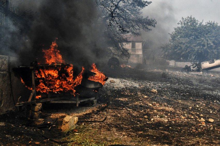 Δήμαρχος Ραφήνας – Πικερμίου: Πάνω από 1.000 σπίτια και 300 οχήματα κατεστραμμένα