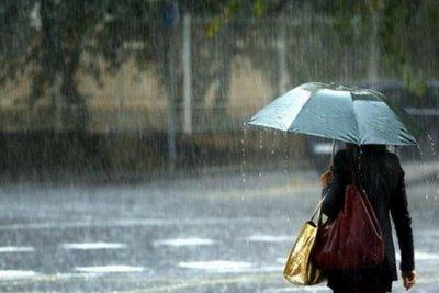 Χειμωνιάτικο σκηνικό: Βροχές και καταιγίδες στις περισσότερες περιοχές της χώρας, χιόνια στα ορεινά