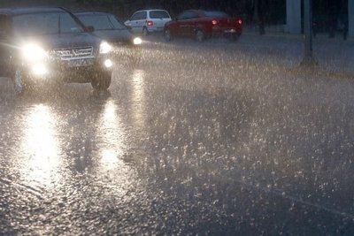 Αλλάζει το σκηνικό του καιρού - Δεκαπενταύγουστος με βροχές και καταιγίδες