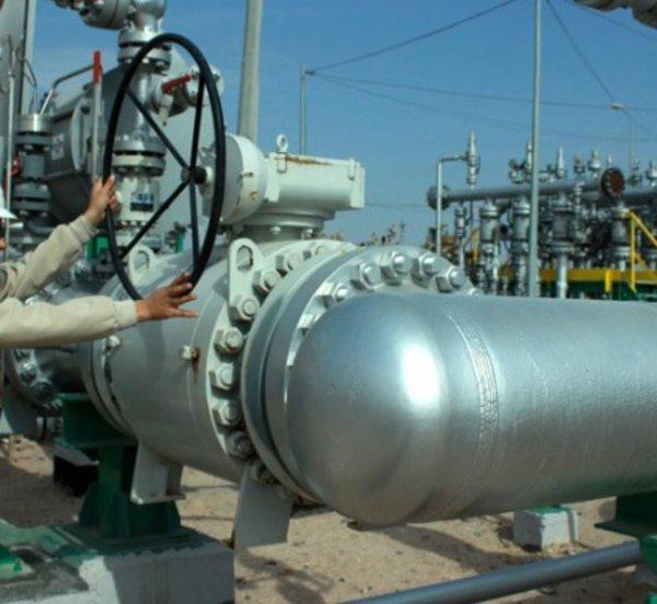 Les Echos: Οι αμερικανικές κυρώσεις βαραίνουν ήδη τις εξαγωγές ιρανικού πετρελαίου