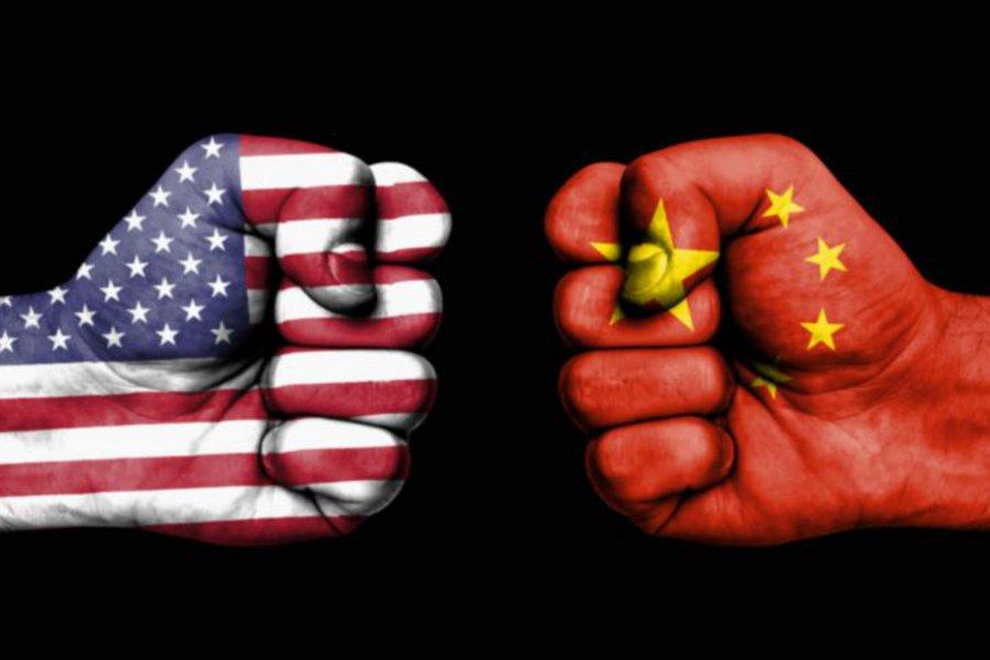Εμπορικός πόλεμος: Η Κίνα μπορεί να εκδικηθεί μέσω των iPhones