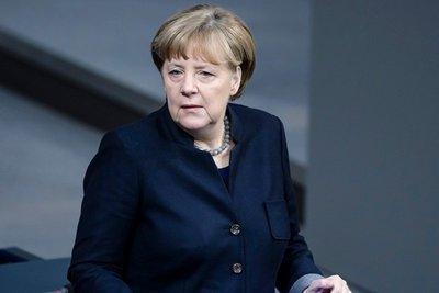 Η Μέρκελ υποσχέθηκε ότι θα επιταχυνθούν οι επαναπροωθήσεις προσφύγων