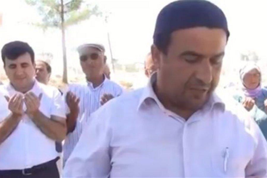Οι Τούρκοι επιστράτευσαν τα «μεγάλα όπλα»: Ιμάμης προσεύχεται να υποτιμηθεί το δολάριο!