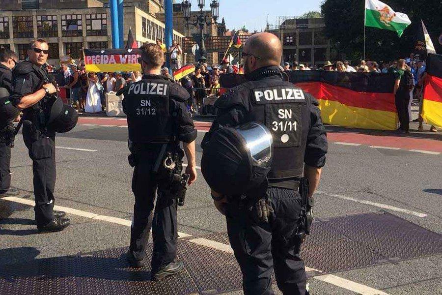 Διαδήλωση ακροδεξιών στη Σαξονία: «Στα τσακίδια» φώναξαν στη Μέρκελ