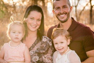 Πα-τέρας σκότωσε την έγκυο σύζυγό του και τα δύο του κοριτσάκια
