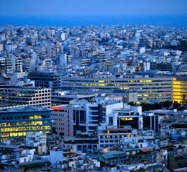 Αυθαίρετα όσα κτίρια, δημόσια και ιδιωτικά, δεν είναι προσβάσιμα από ΑμεΑ έως το 2020