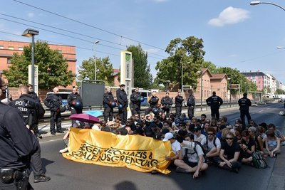 Ματαιώθηκε λόγω χαμηλής συμμετοχής η πορεία νεοναζιστών στη μνήμη του Ρούντολφ Ες
