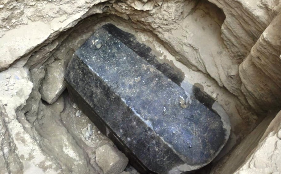 Σε ποιους ανήκουν οι σκελετοί της γρανιτένιας σαρκοφάγου που ανακαλύφθηκε στην Αλεξάνδρεια