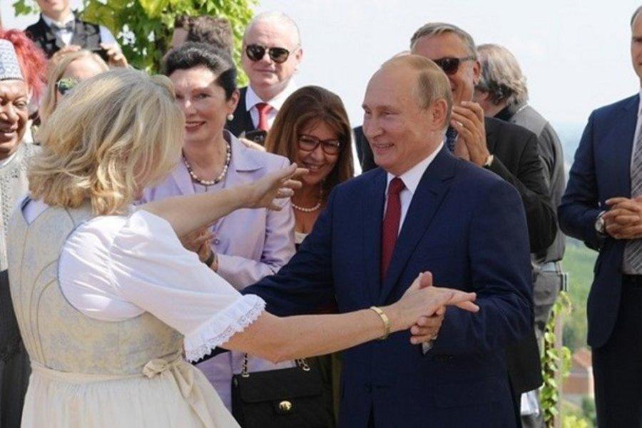 Το βαλς του Πούτιν που έκλεψε τις εντυπώσεις