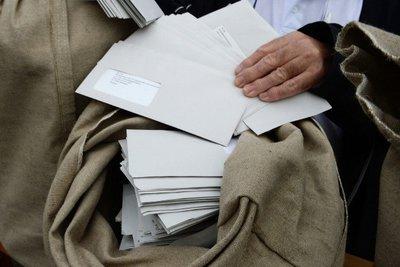 Παλαιστίνη: Τα ταχυδρομεία ετοιμάζονται να διανείμουν 10,5 τόνους αλληλογραφίας που την καθυστερούσε επί οκτώ χρόνια το Ισραήλ