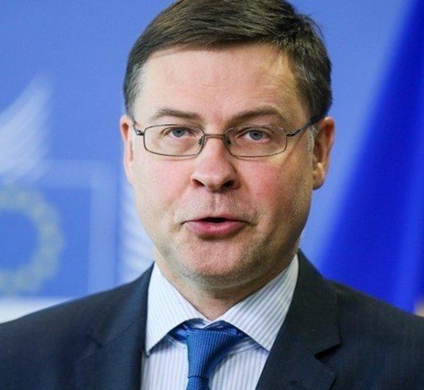 Ντομπρόβσκις: Η Ελλάδα θα λάβει 22,6 δισ. σε επιχορηγήσεις και 9,4 δισ. σε δάνεια