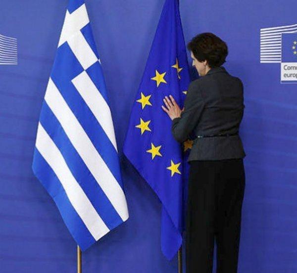 Ευρωβαρόμετρο: Το 68% των Ευρωπαίων και το 62% των Ελλήνων θα ψήφιζαν υπέρ της παραμονής της χώρας τους στην ΕΕ