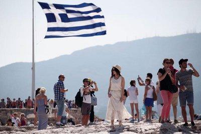 Αύξηση των εσόδων και των αφίξεων τουριστών στην Ελλάδα για το 9μηνο Ιανουαρίου-Σεπτεμβρίου