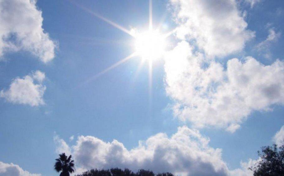 Έως τους 30 βαθμούς ο υδράργυρος - Βοριάδες 7 μποφόρ στο Αιγαίο