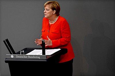 Μέρκελ: Καθαρός εθνικισμός και όχι πατριωτισμός το να πιστεύει κανείς ότι θα τα καταφέρει όλα μόνος