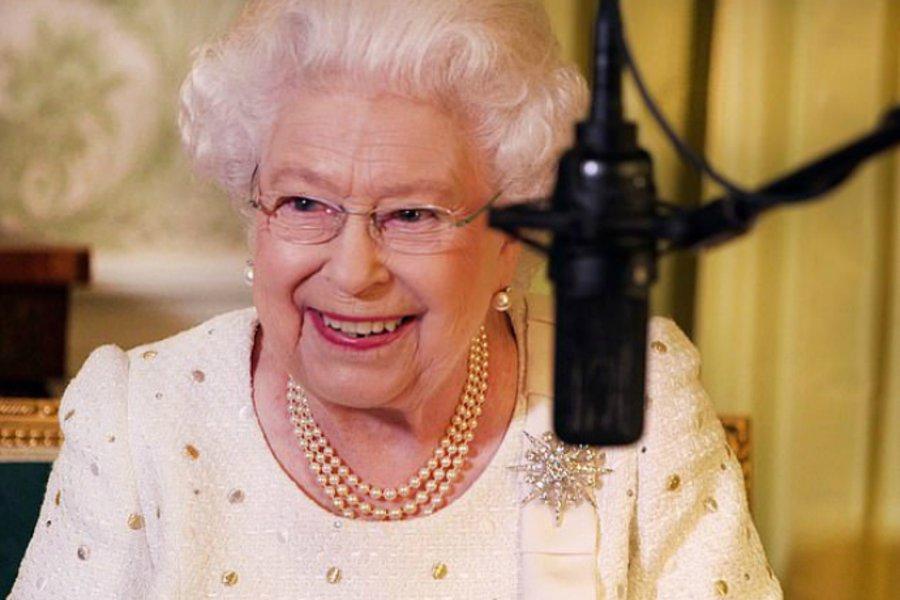 Η αντίδραση της βασίλισσας Ελισάβετ όταν της είπαν να εκφωνήσει από την αρχή το ηχογραφημένο της μήνυμα