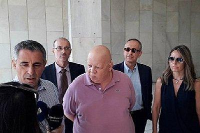 Ελεύθεροι αφέθηκαν από τον εισαγγελέα οι δημοσιογράφοι της εφημερίδας «Φιλελεύθερος»