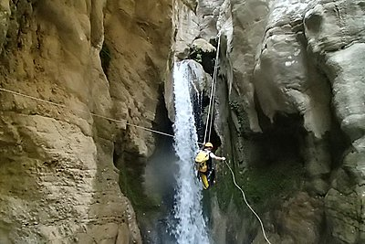 Επιχείρηση «θρίλερ» για τον εντοπισμό 19 ορειβατών στο φαράγγι της Σεργούλας
