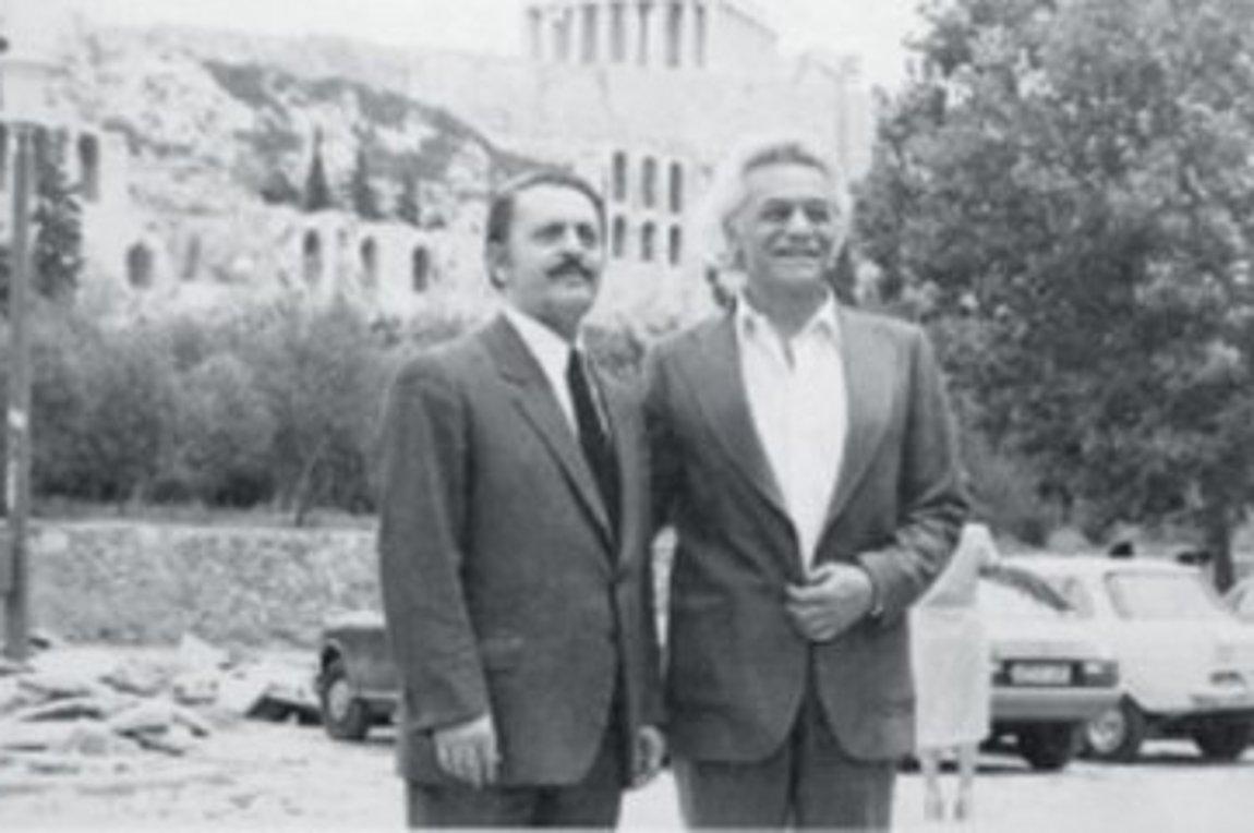 Μεσίστια η σημαία στην Ακρόπολη | αρχείο real news, κοινωνία | Real.gr