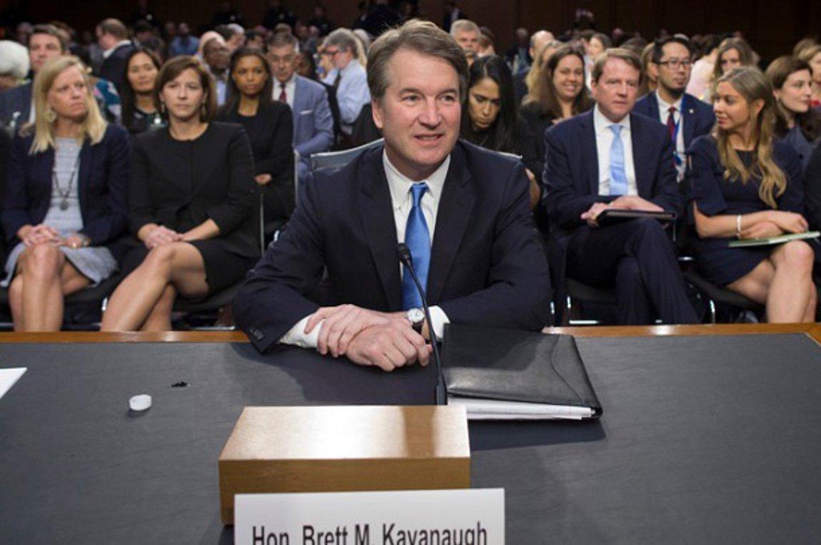 Η Γερουσία ζητά από την κυβέρνηση να διεξαχθεί έρευνα από το FBI για τον δικαστή Μπρετ Κάβανο