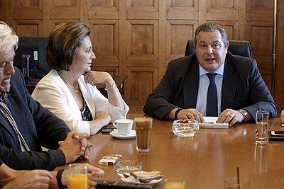 Ο Καμμένος συγκαλεί την Τρίτη το μεσημέρι την Κοινοβουλευτική Ομάδα των ΑΝ.ΕΛ.