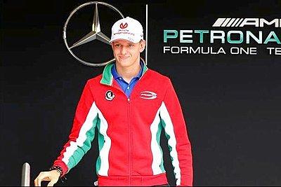 Στα χνάρια του πατέρα του... Ο Μικ Σουμάχερ στέφεται πρωταθλητής Ευρώπης και «βλέπει» F1