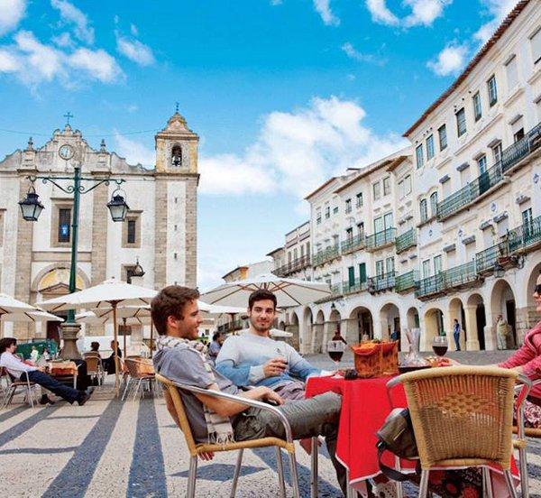 Πορτογαλία: Επιβραδύνεται η άνθηση του τουρισμού στην Πορτογαλία καθώς μειώθηκε ο αριθμός των τουριστών τον Αύγουστο