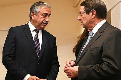 Ο Μ. Ακιντζί καλεί τον Ν. Αναστασιάδη σε συνάντηση πριν τις 29 Οκτωβρίου