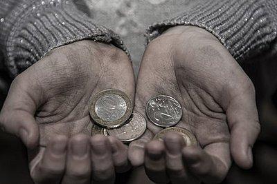 Αύξηση της παιδικής φτώχειας στις πλουσιότερες χώρες του ΟΟΣΑ - Τα στοιχεία για την Ελλάδα