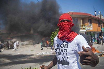 Αϊτή: Αιματηρές κινητοποιήσεις με αφορμή σκάνδαλο διαφθοράς - Ενας νεκρός