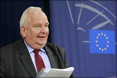 Τζόζεφ Ντόουλ (ΕΛΚ): Η αντιπολίτευση στην ΠΓΔΜ φέρει μεγάλη ευθύνη για την πορεία της χώρας στην ΕΕ και το ΝΑΤΟ