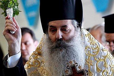 Μητροπολίτης Πειραιώς κατά του Ιερώνυμου: Έπραξε καθ υπέρβασιν της εξουσίας του